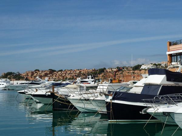 Boote in Port Adriano